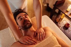 Os benefícios de uma massagem tântrica sensual